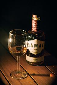ラム酒本来の味を楽しみたいならストレートがおすすめだ。