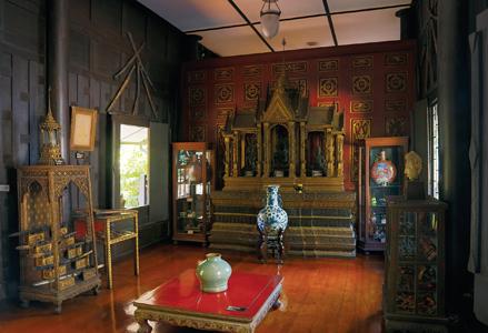 アユタヤ王朝後期、バンコク王朝初期の武器が展示される。