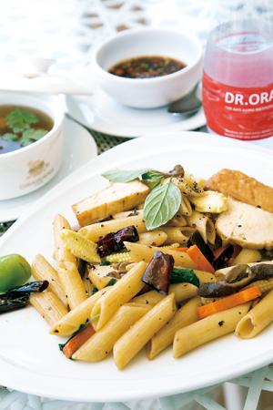 美味しくて体に良い健康食を提供する。