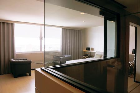 シンプルで使い勝手のよい客室